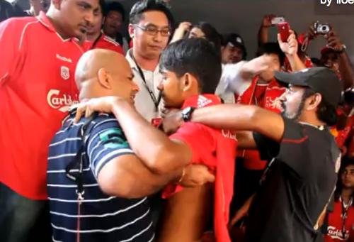 Wayne Rooney Calls Malaysian Lad A Legend
