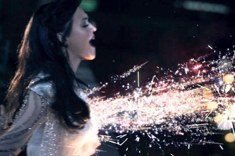 There Are No Better Christmas Lights On Earth Than Those Paying Homage To Katy Perry