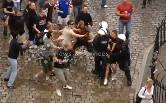 Irishman Fails To Stop A Brawl Between Croat Hooligans And Polish Police