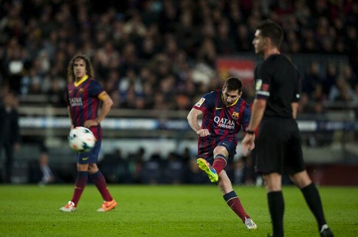 You Need To See Lionel Messi's Free Kick Vs. Almeira