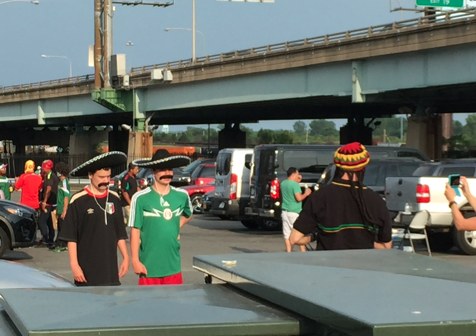 Questionable Costumes, El Chapo And More: The Gold Cup '15 Final In South Philly